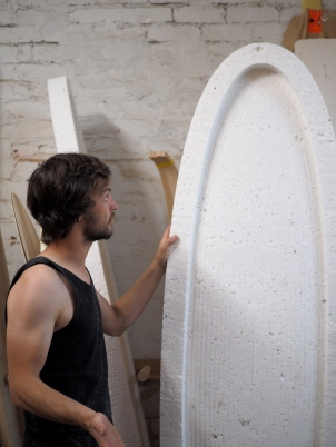 Core made from recycled polystyrene