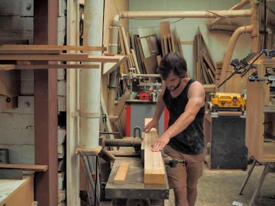 Straightening the timber